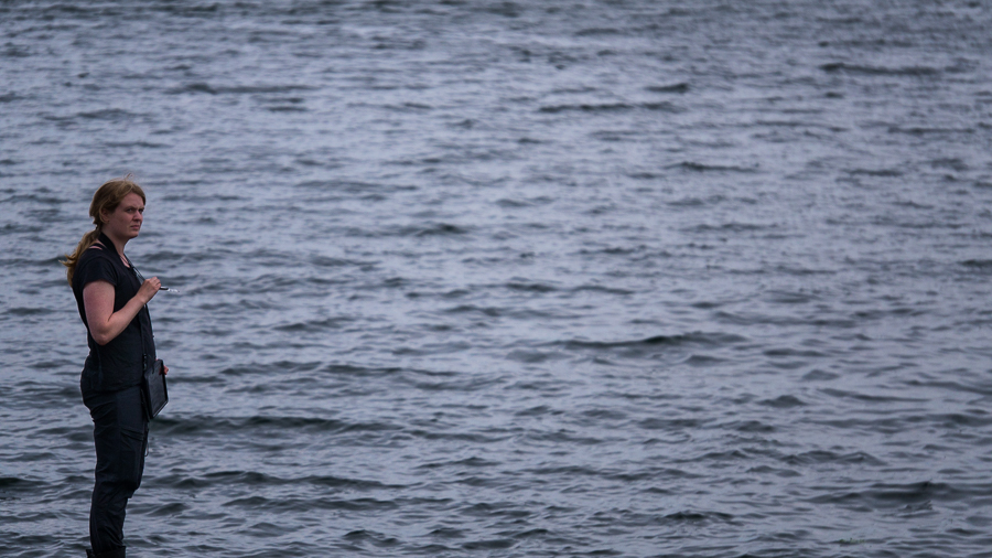 Lina vid vatten